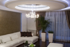 Многоуровневый натяжной потолок с подсветкой