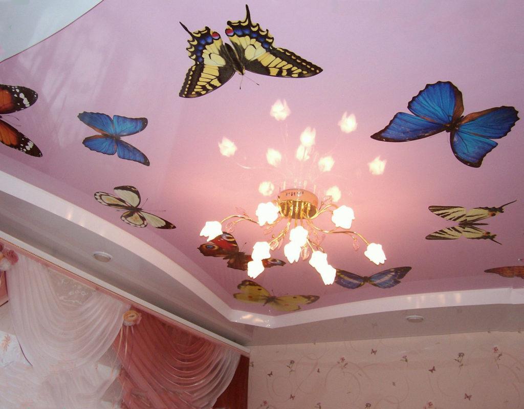 Бабочки в детской