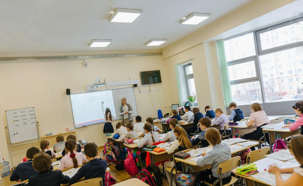 Можно ли делать в школе натяжные потолки?
