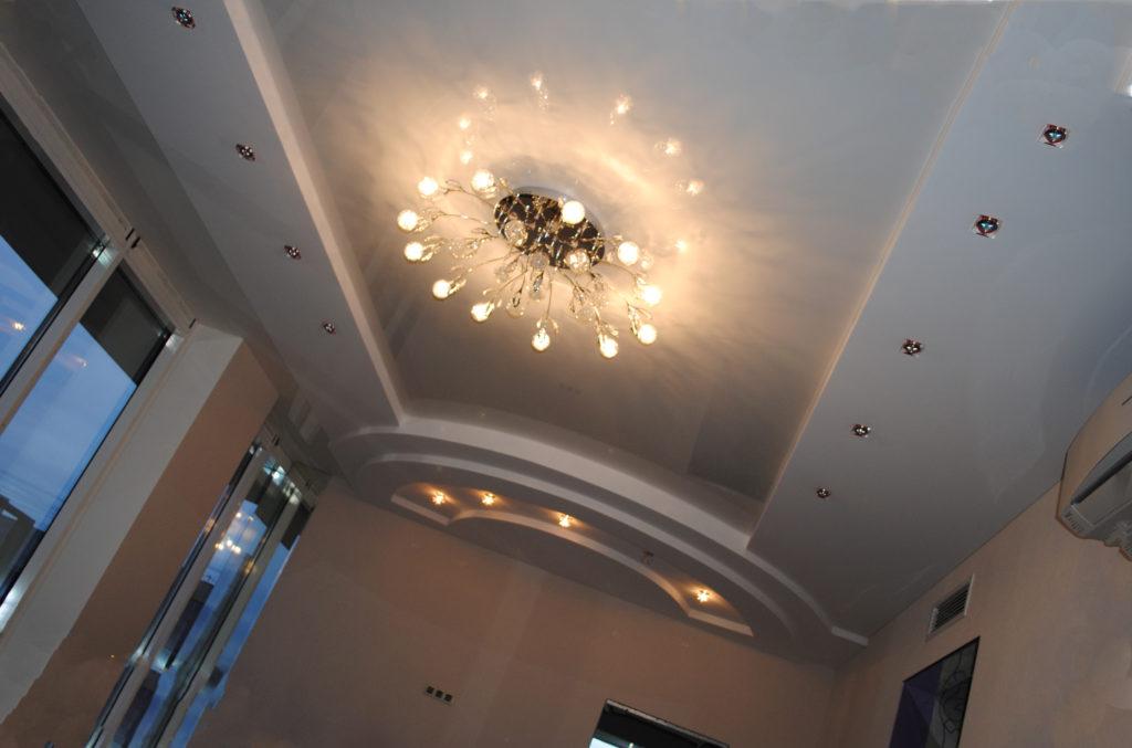 Формы комбинированного потолка
