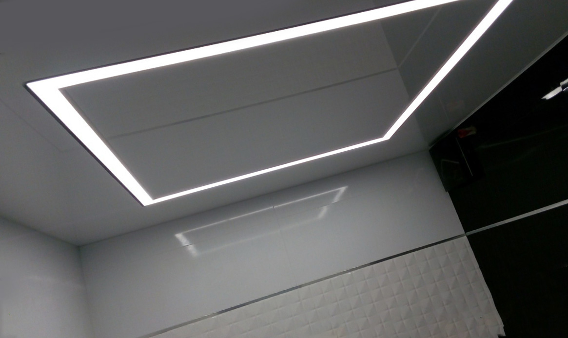 потолок «парящие линии»