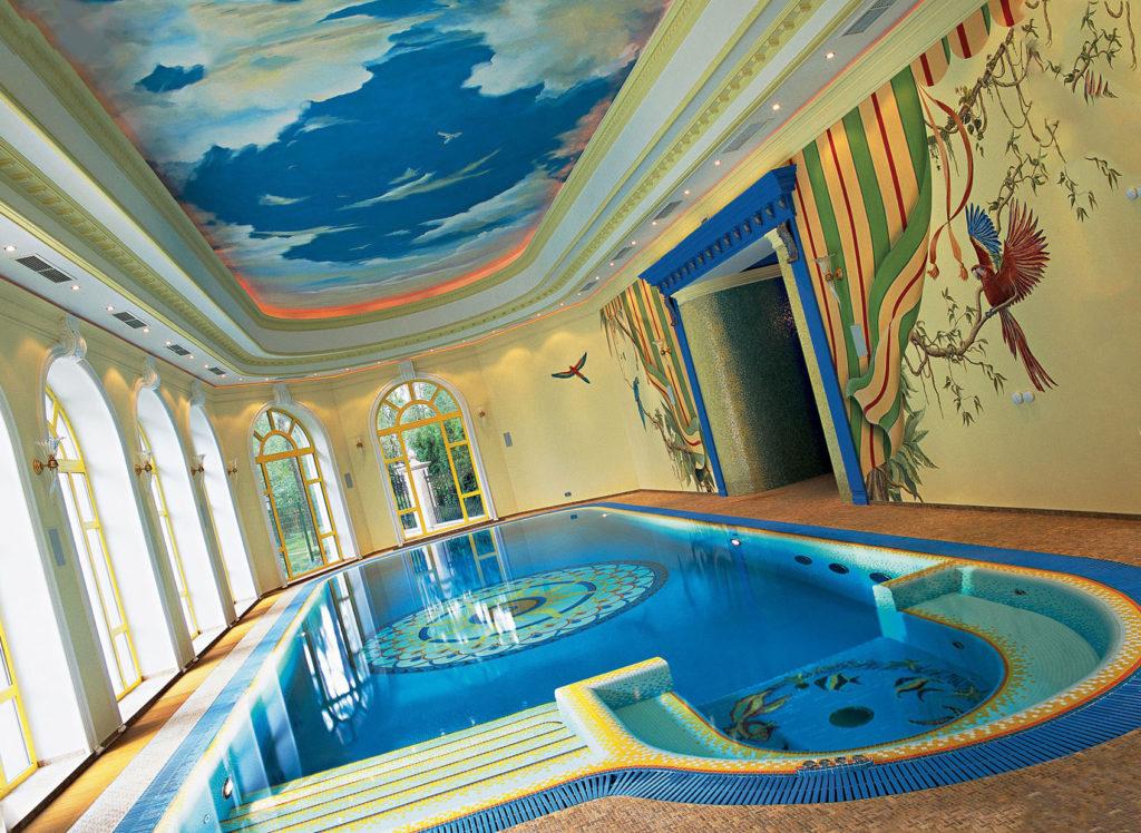 Требования к потолкам в бассейне