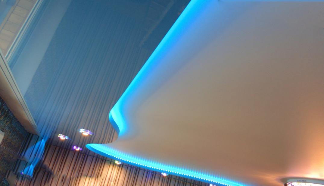 «Парящий» натяжной потолок