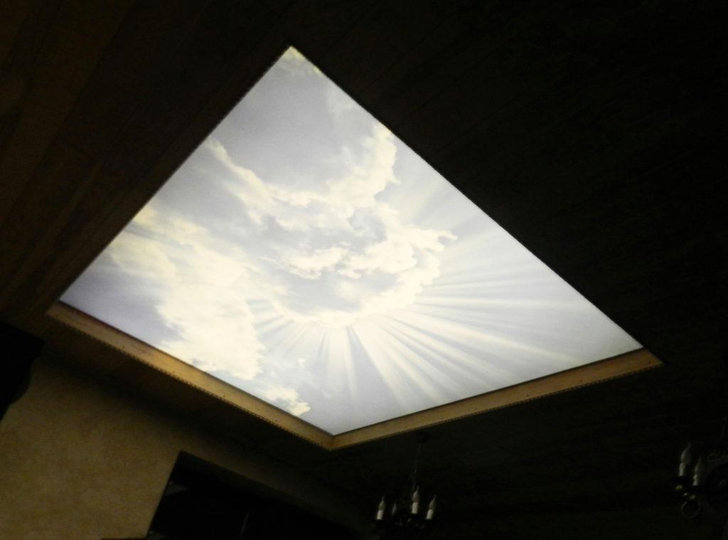Где купить светящийся натяжной потолок
