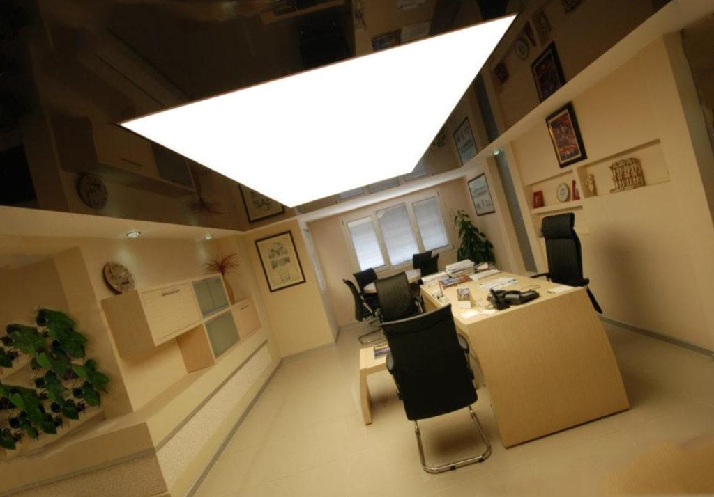 Каким должен быть потолок в офисе