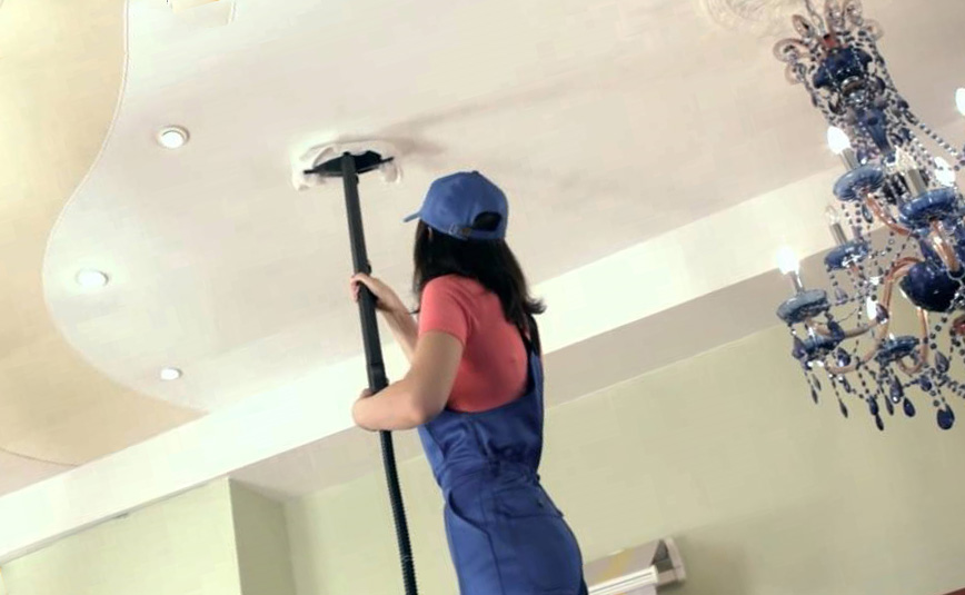 убрать пятна с тканевого потолка