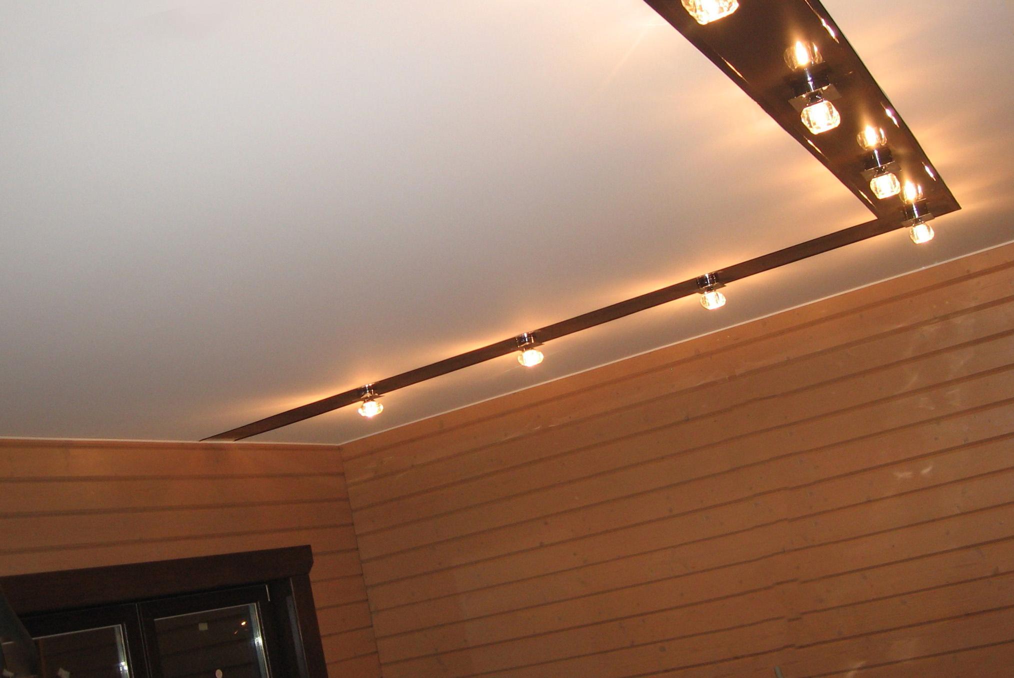 Стоит ли устанавливать натяжные потолки