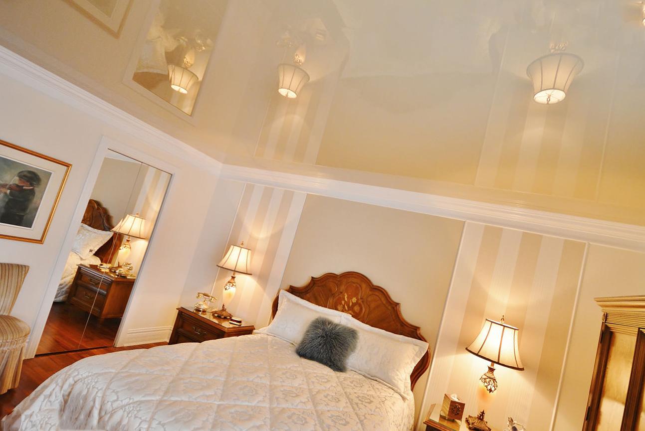 Дизайн глянцевых потолков