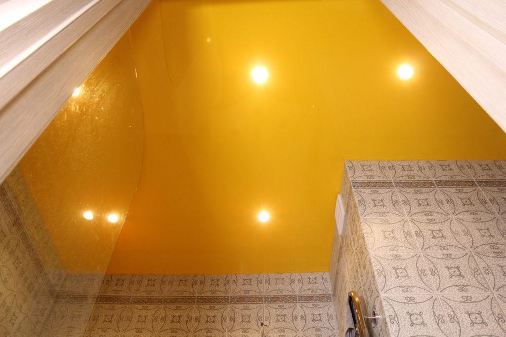 Потолок из ПВХ-пленки
