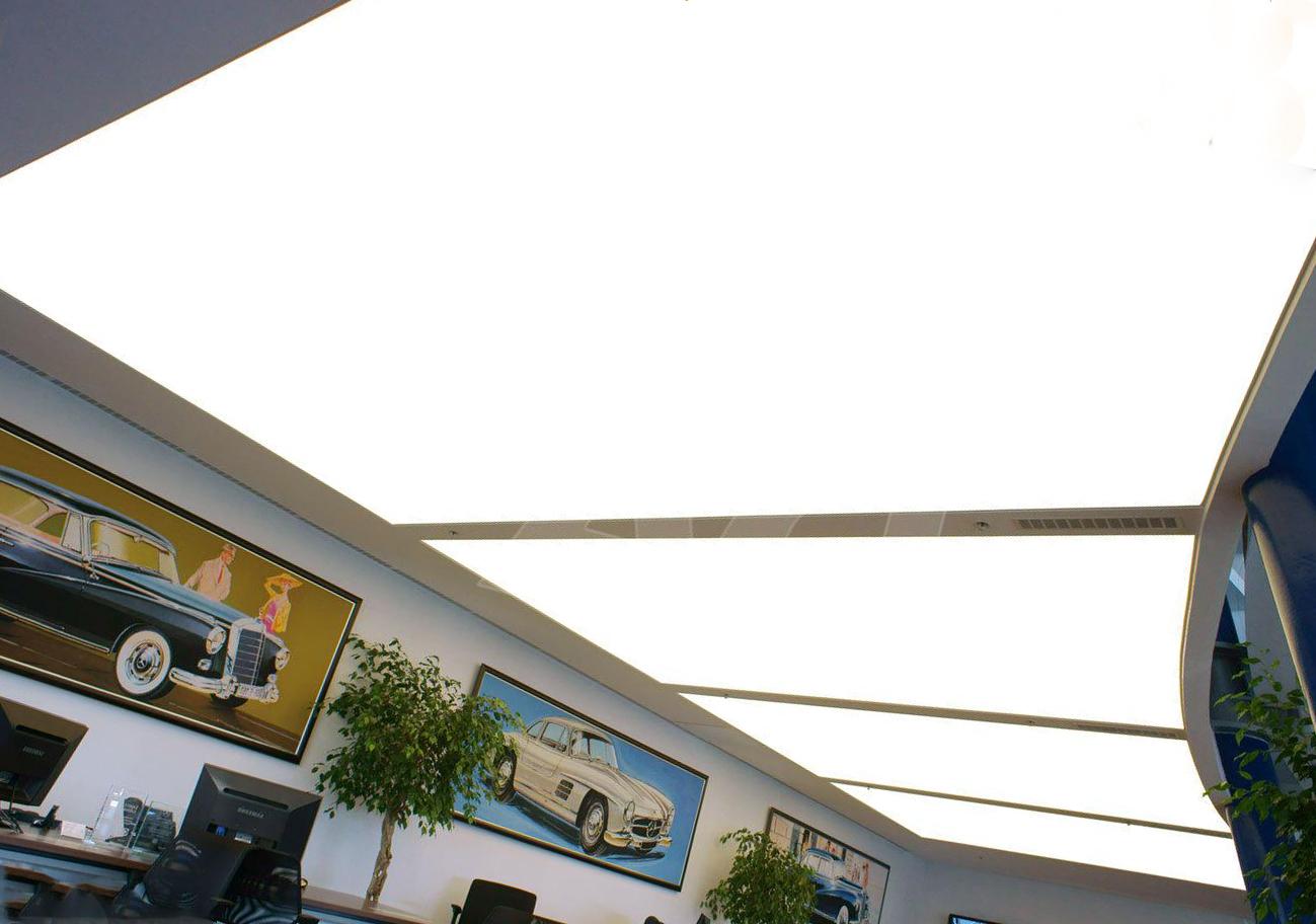 Монтаж светящегося натяжного потолка