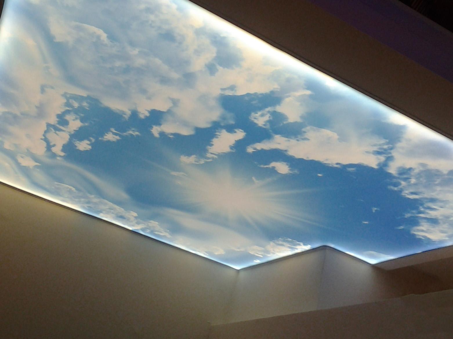 Оригинальные полупрозрачные натяжные потолки