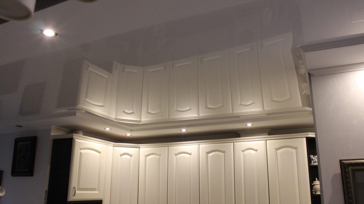Натяжные тканевые и виниловые потолки, их характеристики и свойства