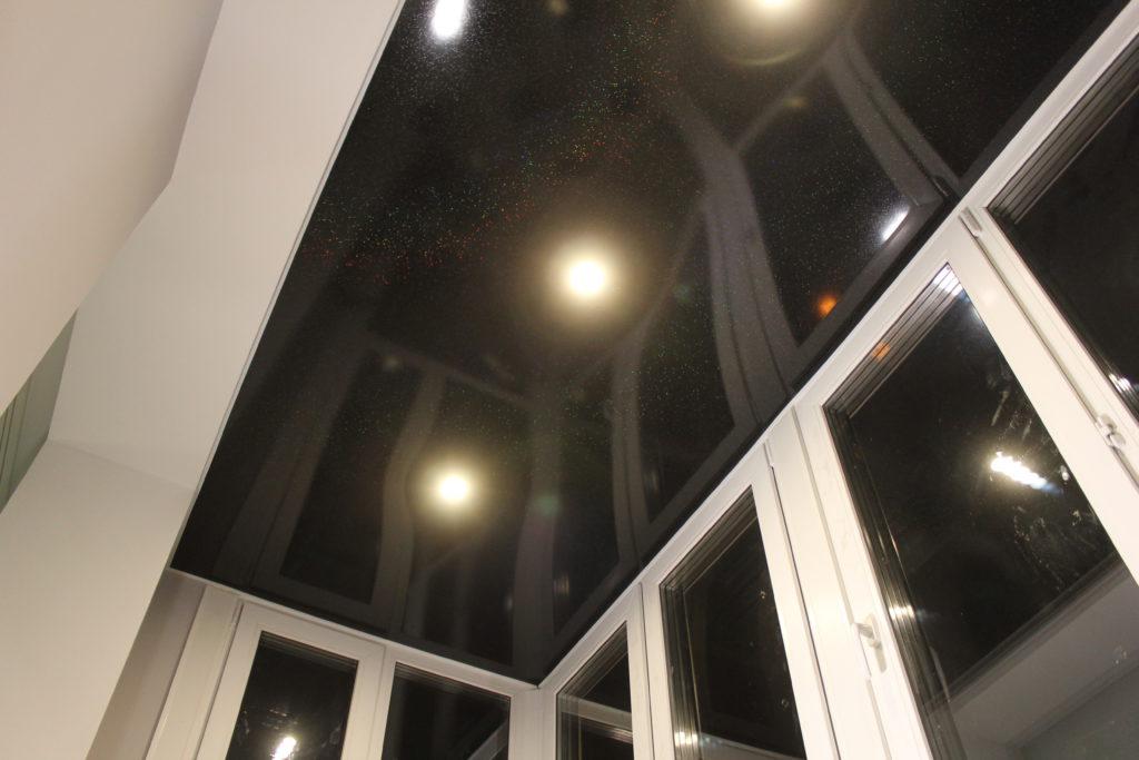 вид натяжного потолка