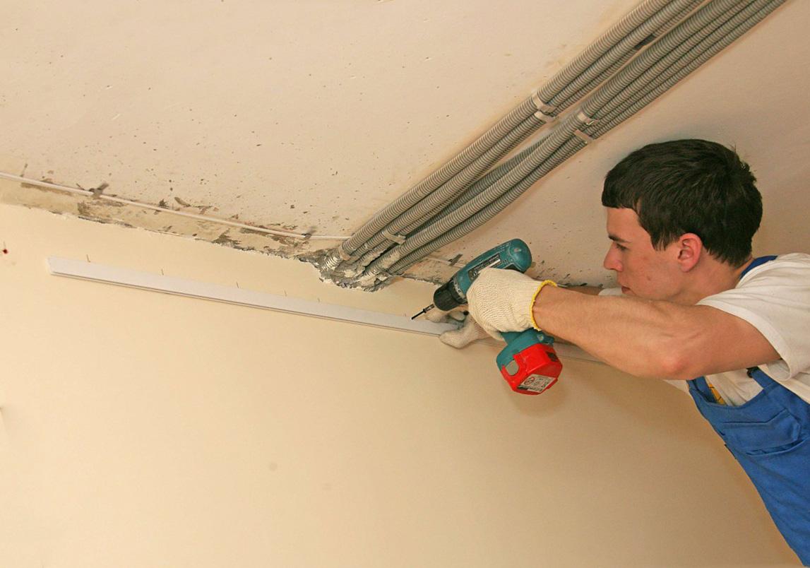 Можно ли сделать натяжной потолок самому?