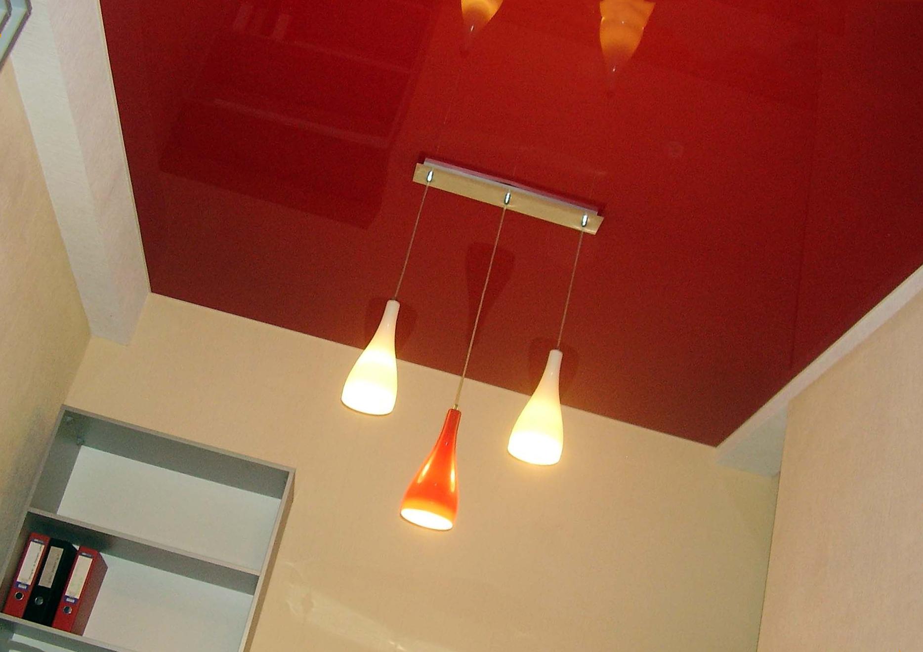 Каким цветом сделать натяжной потолок?