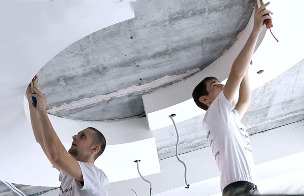 На какие потолки можно вешать натяжные потолки?