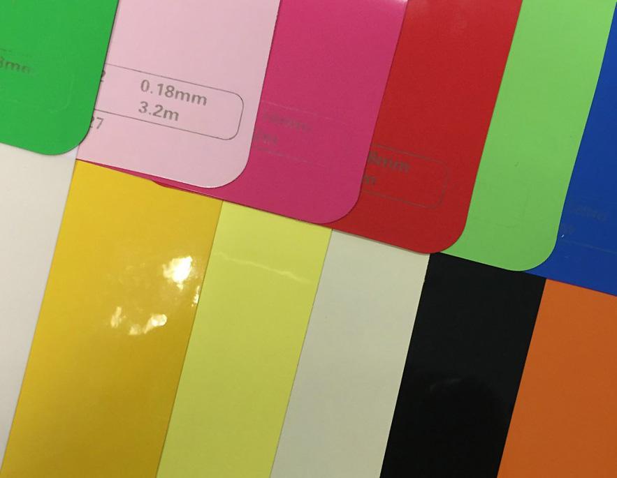 Каким цветом сделать натяжной потолок и насколько важен выбор оттенка?