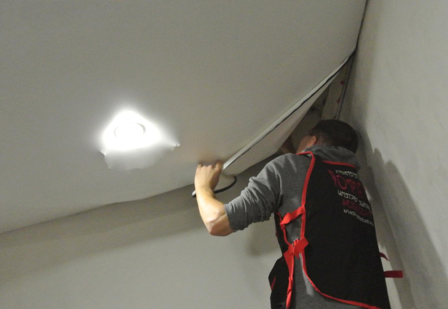демонтаж натяжного потолка