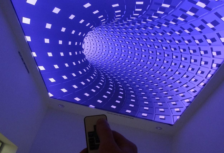 с многоплановой системой подсветки и художественными 3D эффектом