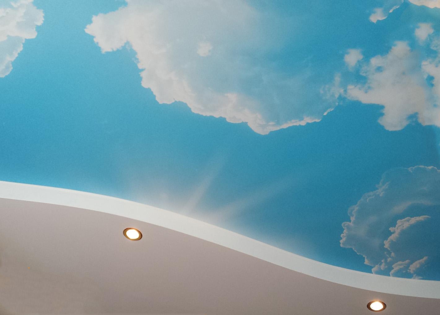 качественно сделанный натяжной потолок