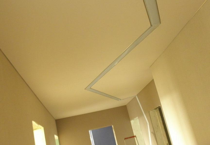 недорогие потолки
