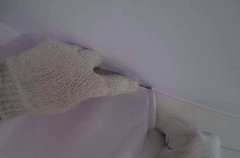 популярность светопрозрачных тканевых натяжных потолков