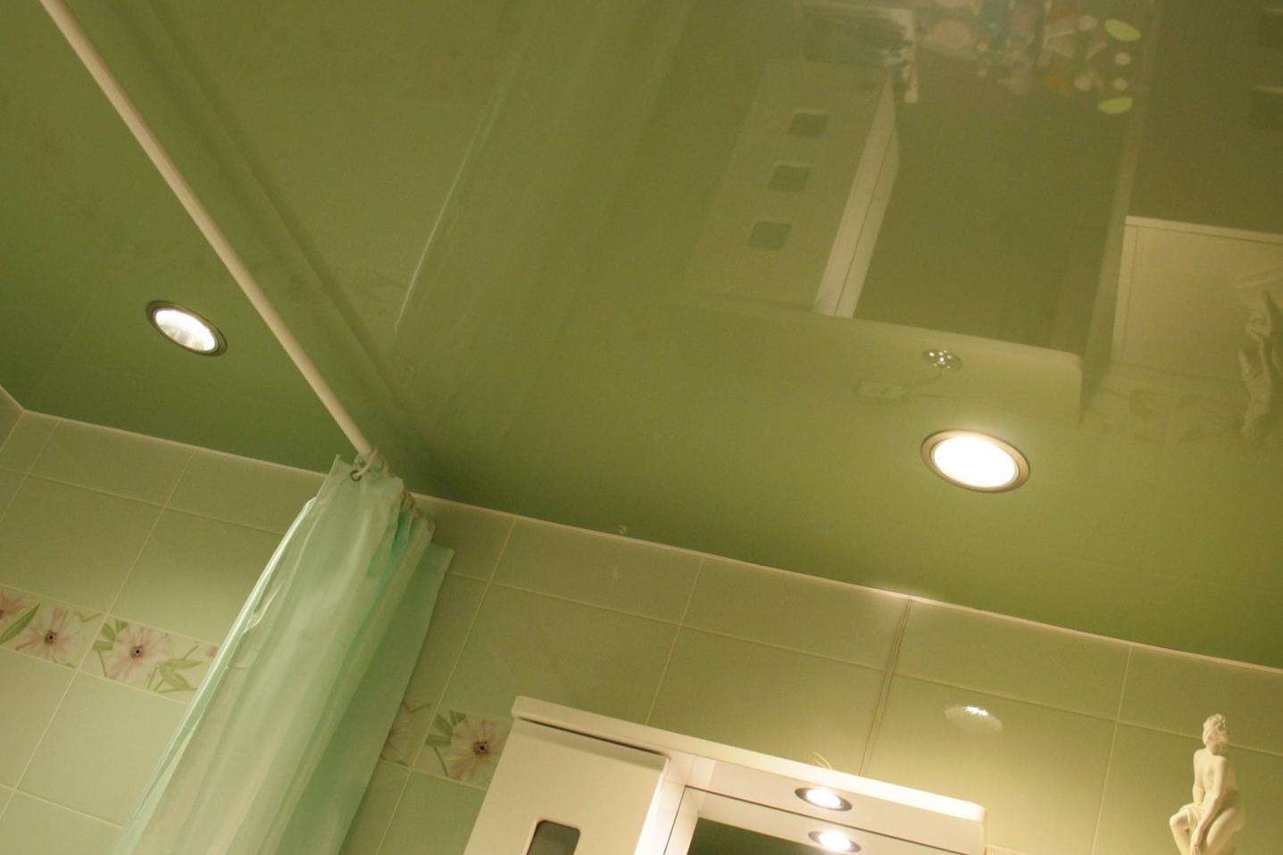 Натяжной потолок в ванной – что рекомендуют специалисты «АстамГрупп»
