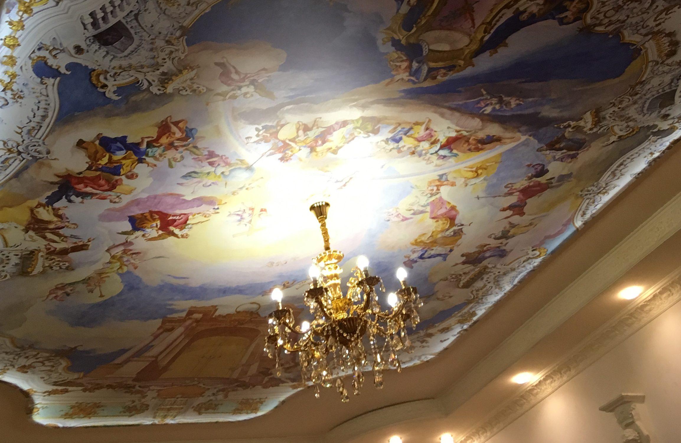 Натяжной потолок с фотопечатью – как сделать интерьер стильным и оригинальным