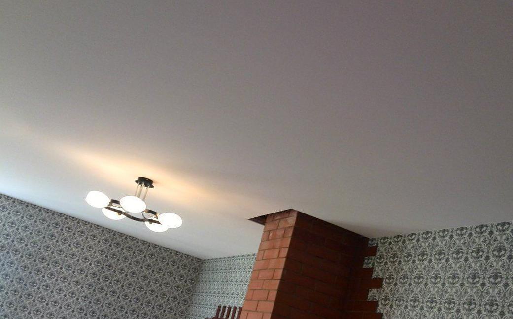 Потолки холодной натяжки – в чем их особенности, преимущества, отличия