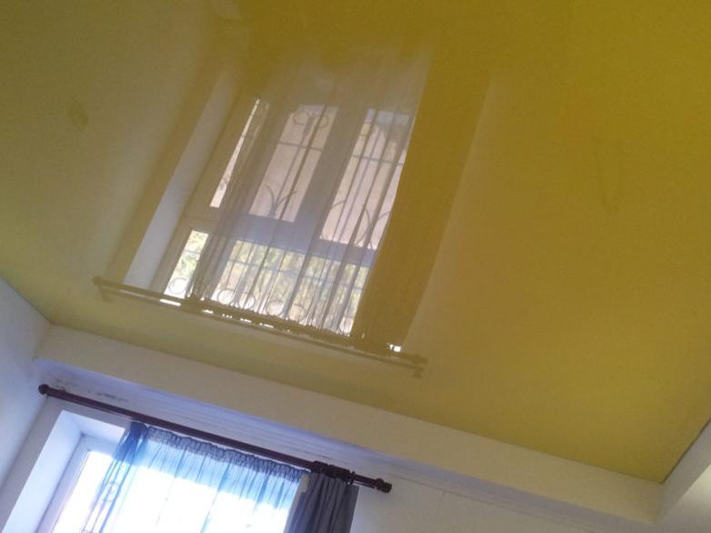 Гарантия на натяжной потолок – в каких случаях «АстамГрупп» устранит проблемы с декором за свой счет